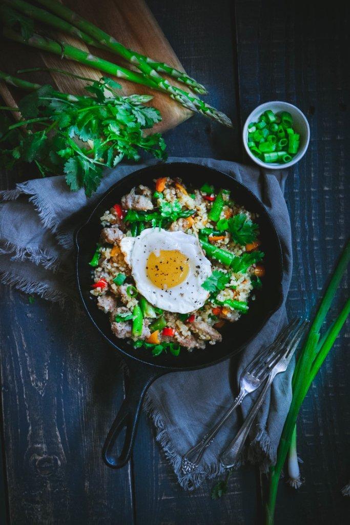Paleo Recipes: Paleo Sausage Asparagus Scramble