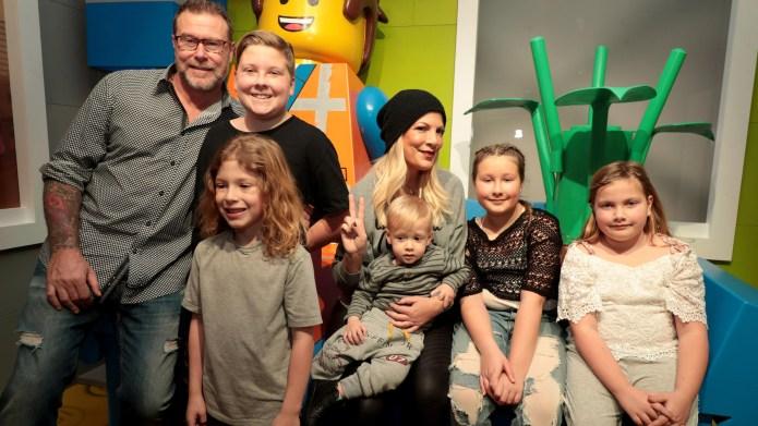 Dean McDermott, Tori Spelling, family, January
