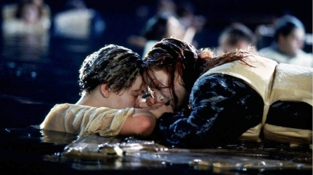 Leonardo DiCaprio Reacts to 'Titanic' Door