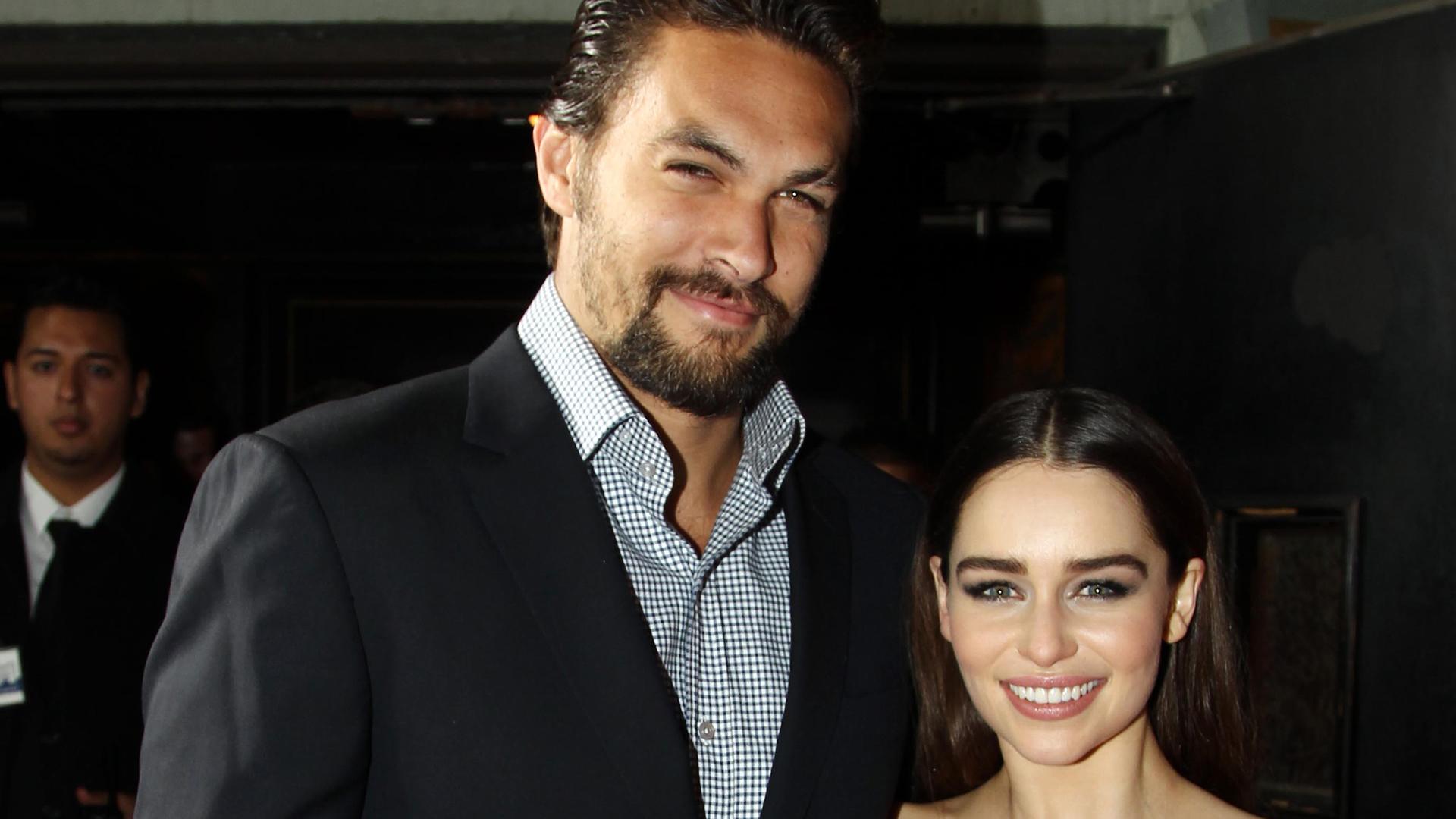Jason Momoa Emilia Clarke Reunite For Game Of Thrones Themed