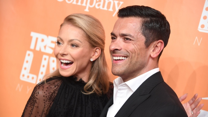 Kelly Ripa Defends Mark Consuelos from