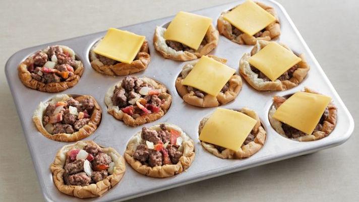 Muffin Tin Cheeseburgers