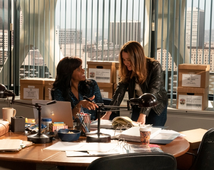 """THE FIX - """"Lie to Me"""" - The district attorney's office makes everyone take a lie detector test in an effort to find the mole feeding information to Ezra Wolf. Meanwhile, Maya receives an unexpected visit from Sevvy's son Gabe at work on """"The Fix,"""" MONDAY, APRIL 15 (10:00-11:00 p.m. EDT), on The ABC Television Network. (ABC/Richard Cartwright)MERRIN DUNGEY, ROBIN TUNNEY"""