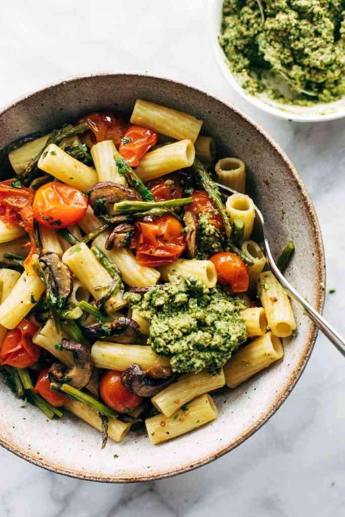 Summer Meatless Monday Recipes: Vegan Farmer's Market Pasta with Walnut Pasta