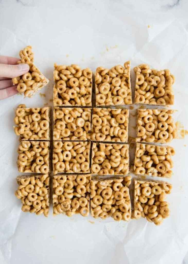 4-Ingredient Cereal Bars
