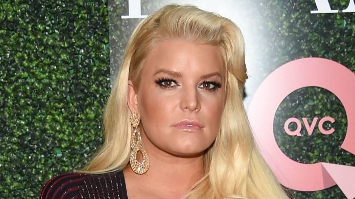Jessica Simpson's Mom Shamers Can't Tell Difference Between Stroller & Car Seat