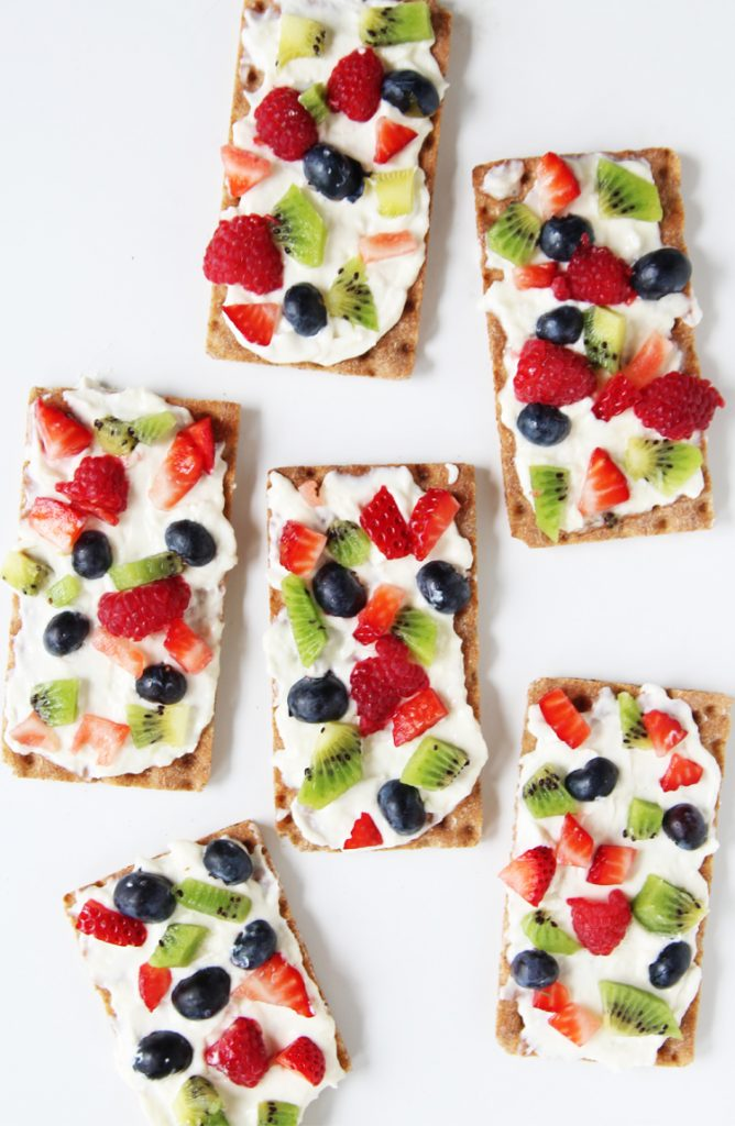 Mini Fruit Pizza Crackers
