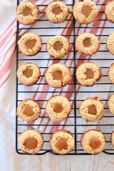 Caramel Stuffed Pumpkin Cookie Cups