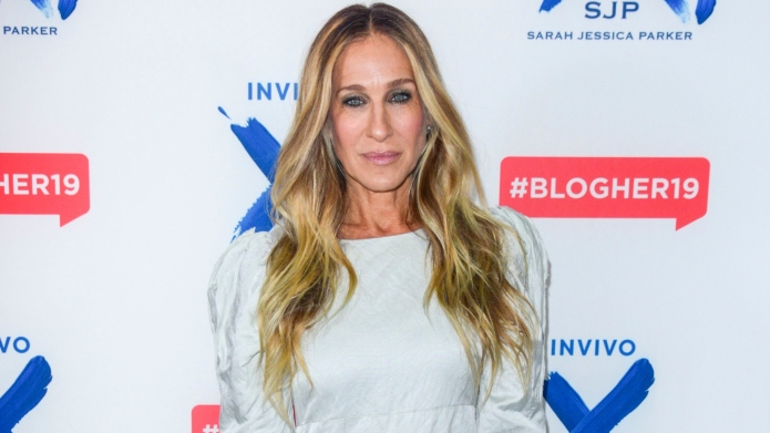 Sarah Jessica Parker Gave Us Some Cozy Fall Book Recs Like the BFF We Like to Pretend She Is