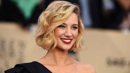 'Jane the Virgin' star Yael Grobglas.