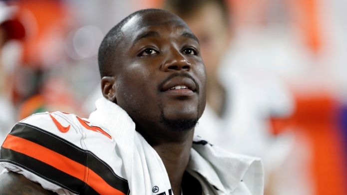 Cleveland Browns defensive end Chris Smith