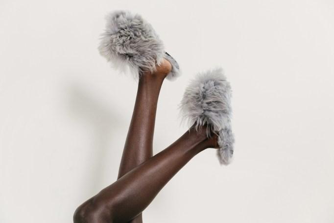 Dove gray suri alpaca slippers