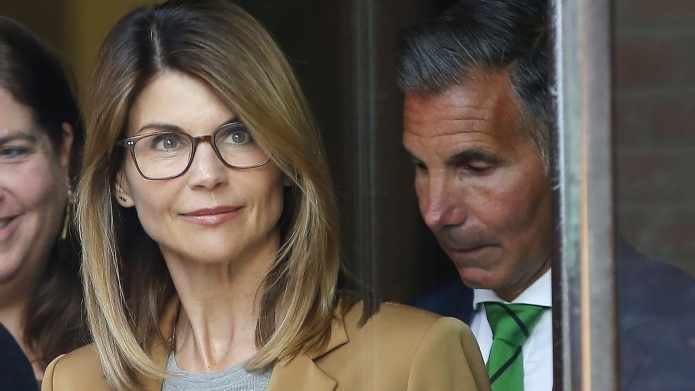 Lori Loughlin leaving a courthouse in