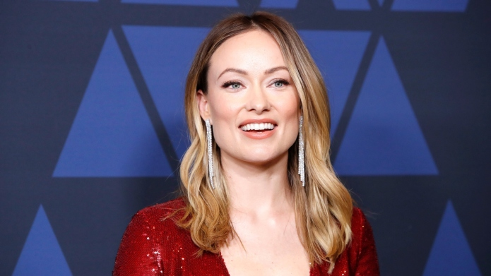 Olivia Wilde calls out airlines for