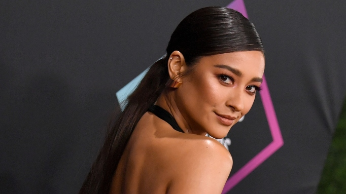 Shay Mitchell at the People's Choice Awards in 2018.