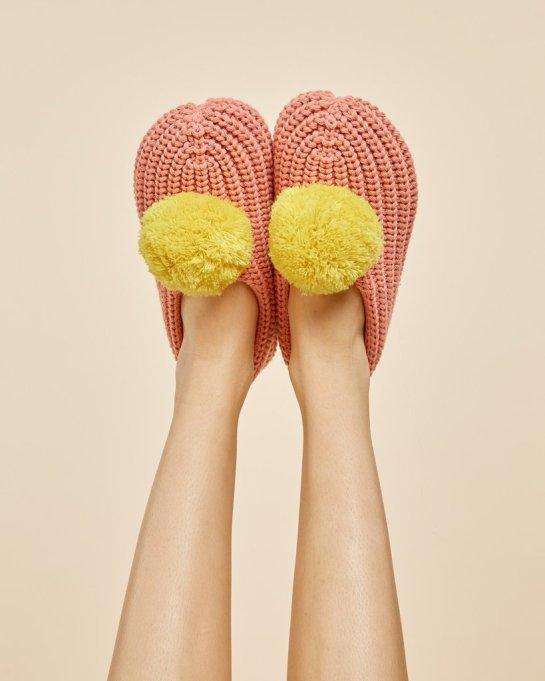 ban.do pom pom slippers