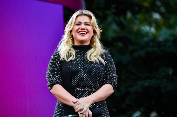 Celebrities Who Wrote Children's Books: Kelly Clarkson