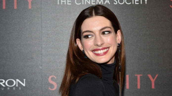 Anne Hathaway gives birth to second