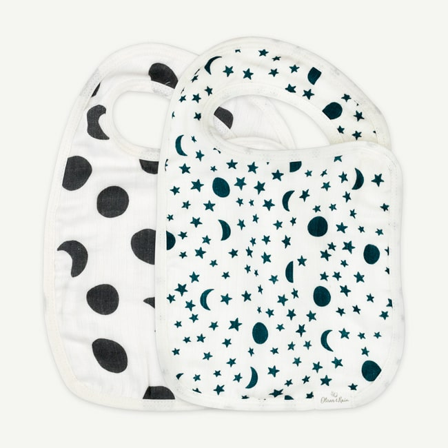 Trendy Bibs For Babies With Impeccable Style: Moon and Star Print Muslin Bib Set