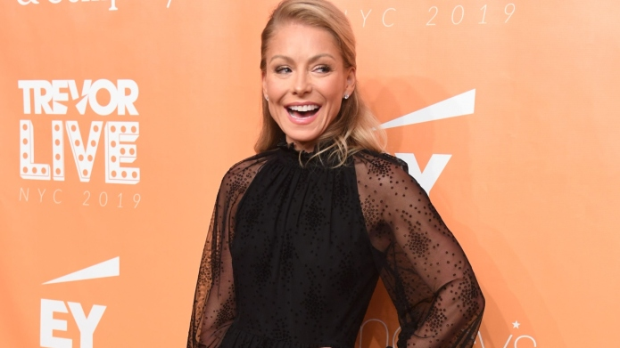 Kelly Ripa Gets Las Vegas Bachelorette Party She Never Had, Complete With Secret Stripper