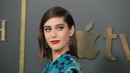 Lizzy Caplan talks to SheKnows about