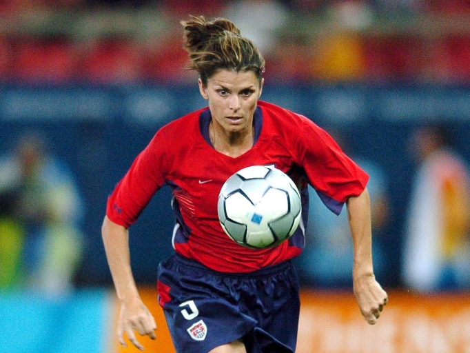 Celebs Who Have Parents in the Military: Mia Hamm