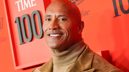 Dwayne Johnson Sings Moana Song to