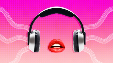 sexy-headphones-lips-podcats