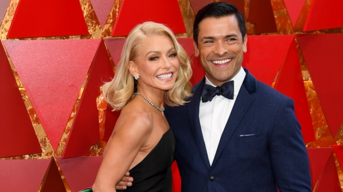 All of the Shirtless Photos Kelly Ripa Has Posted of Hubby Mark Consuelos (You're Welcome)