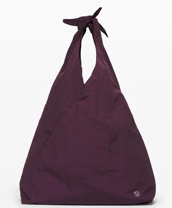 Best Gym Bags: Lululemon 'Cross It Off' Tote
