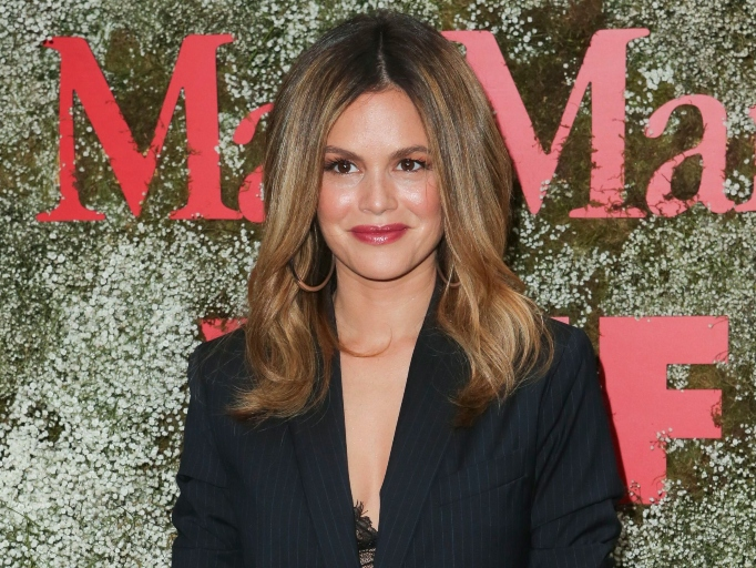 Rachel Bilson was pressured to take her clothes off for 'The Last Kiss'