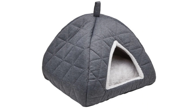 Quilted Cat Igloo.