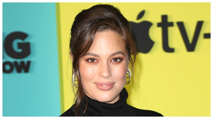 Pregnant Ashley Graham Poses Nude in