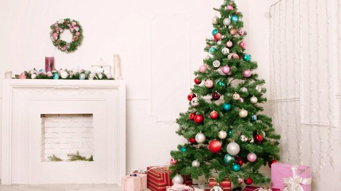 Christmas living room; Shutterstock ID 236545090;