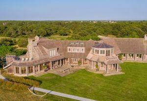 The Obama's Martha's Vineyard mansion