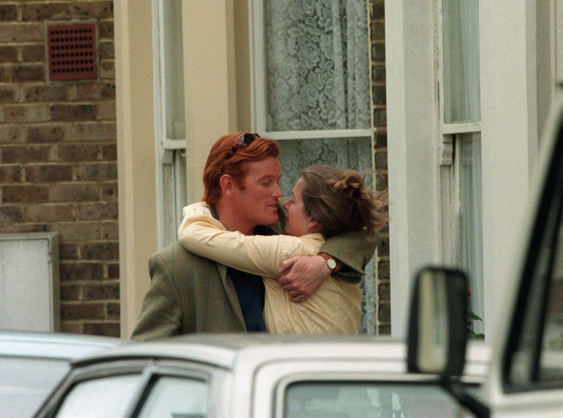 TIGGY LEGGE BOURKE AND MARK DYERTIGGY LEGGE BOURKE WITH MAN FRIEND OUTSIDE HER BATTERSEA HOME, LONDON, BRITAIN - 1997