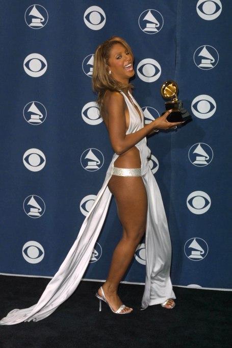 Toni Braxton 2001 Grammys red carpet