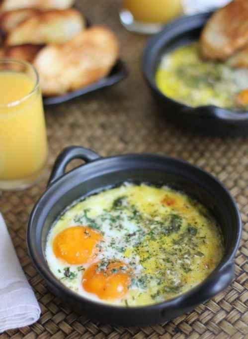 Herbed-baked eggs