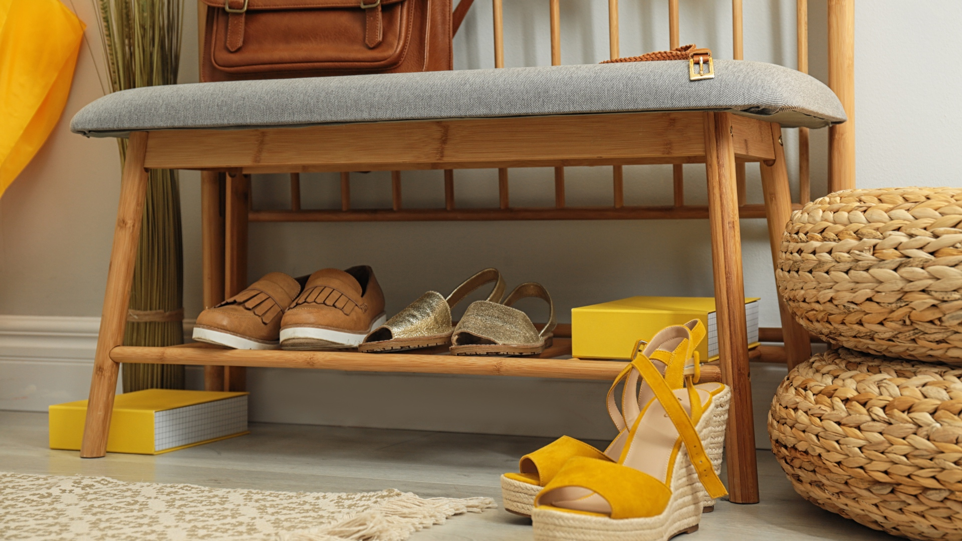 Solve Your Clutter Problem With Storage Benches