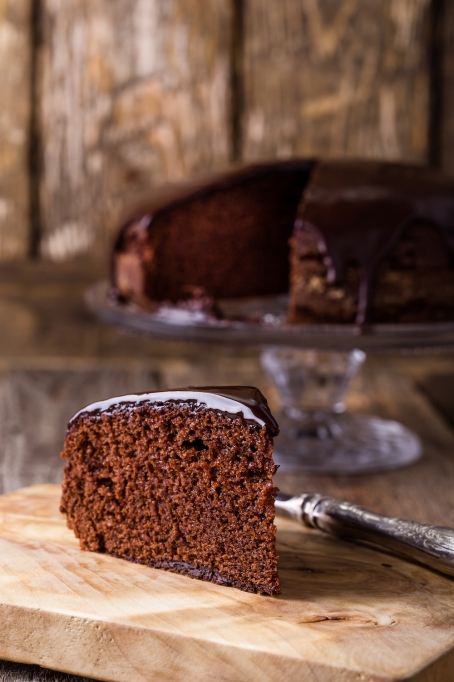 Chocolate cassis cake