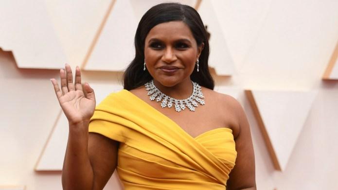 Mindy Kaling arrives at the Oscars,
