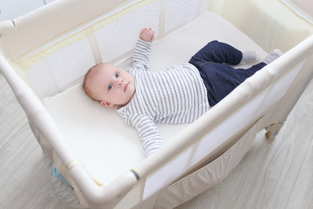 Put Your Baby to Sleep Anywhere With These Travel Beds