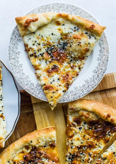 Everything Bagel Recipes: Everything Bagel White Pizza