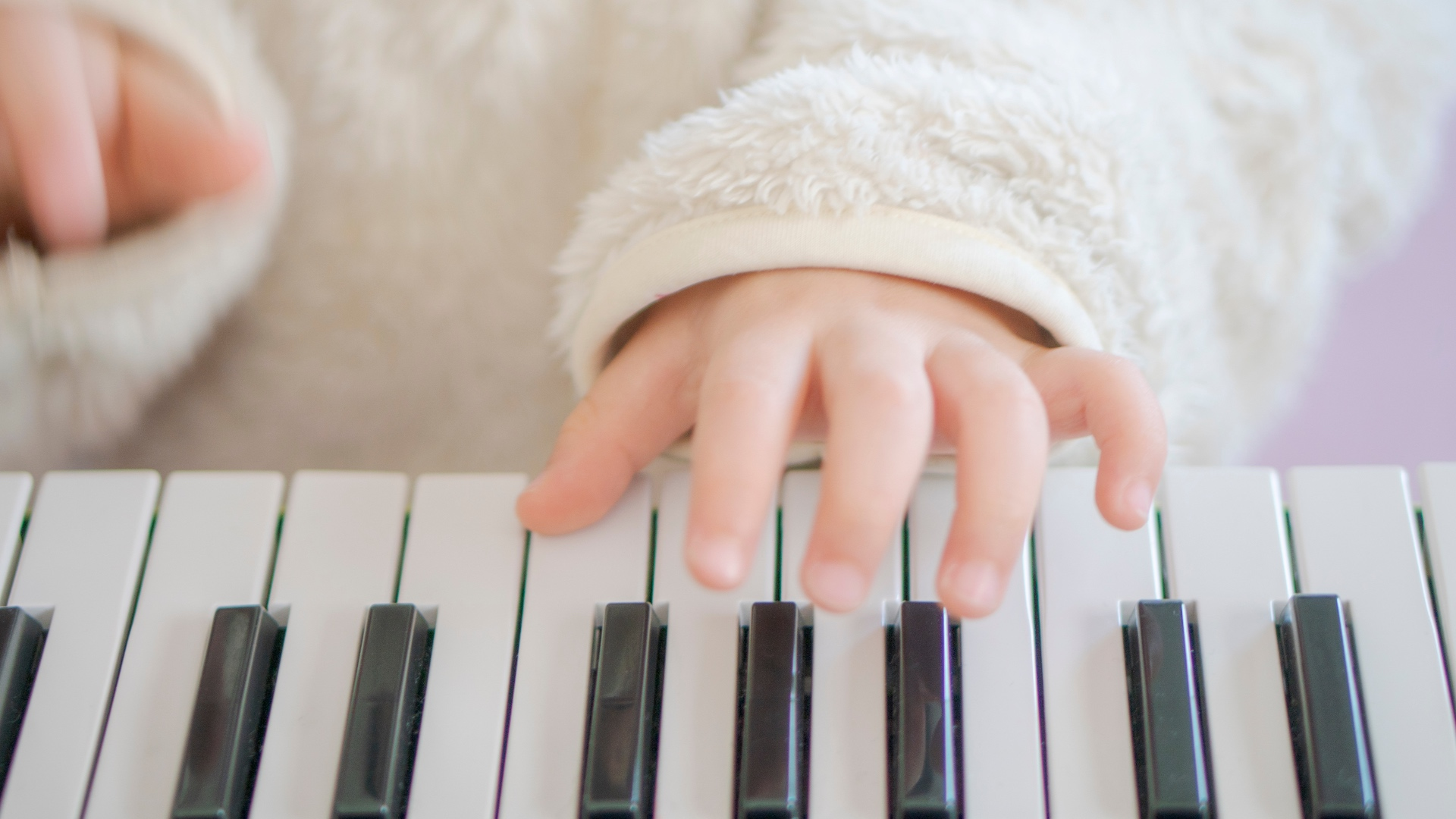 Keyboard Pianos Are An Inexpensive (& Potentially Less Noisy) Way To Get Kids Started With Music