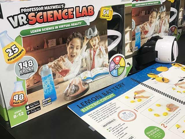 Professor Maxwell VR Science Lab New York Toy Fair 2020