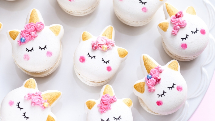 Closeup obest-online-cooking-classesf unicorn macaron cookies; Shutterstock