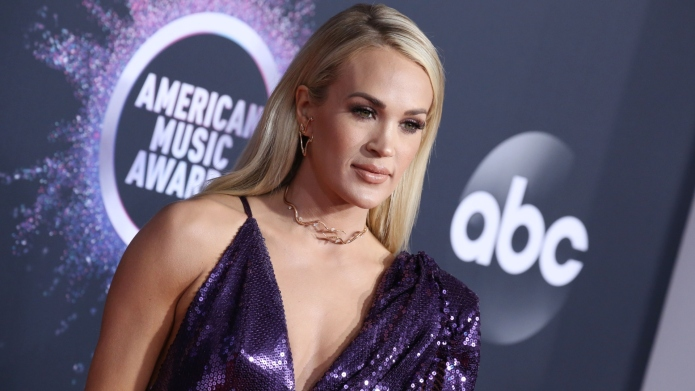 Carrie Underwood Says Her Family Hid