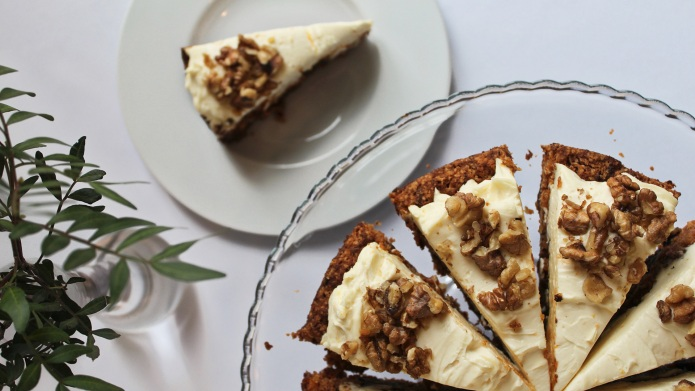 Carrot cake with mascarpone and nuts