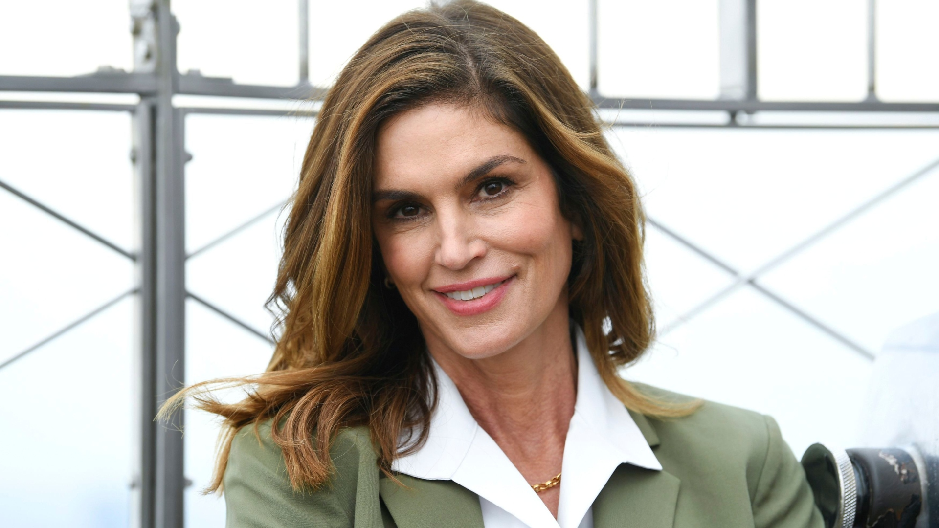 Cindy Crawford Reveals Rare Home Birth Photos