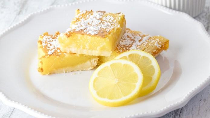 A white plate full of lemon